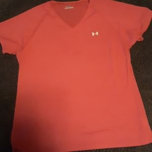 Pink UNDER ARMOUR V-neck Shirt. Size medium